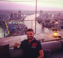 Sergio in the Land of Smiles (Thailand) and in ManAboutWorld gay travel magazine